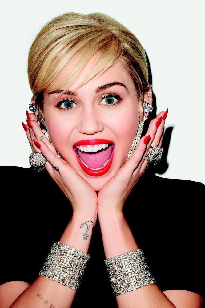Miley Cyrus Fotos  001-3510