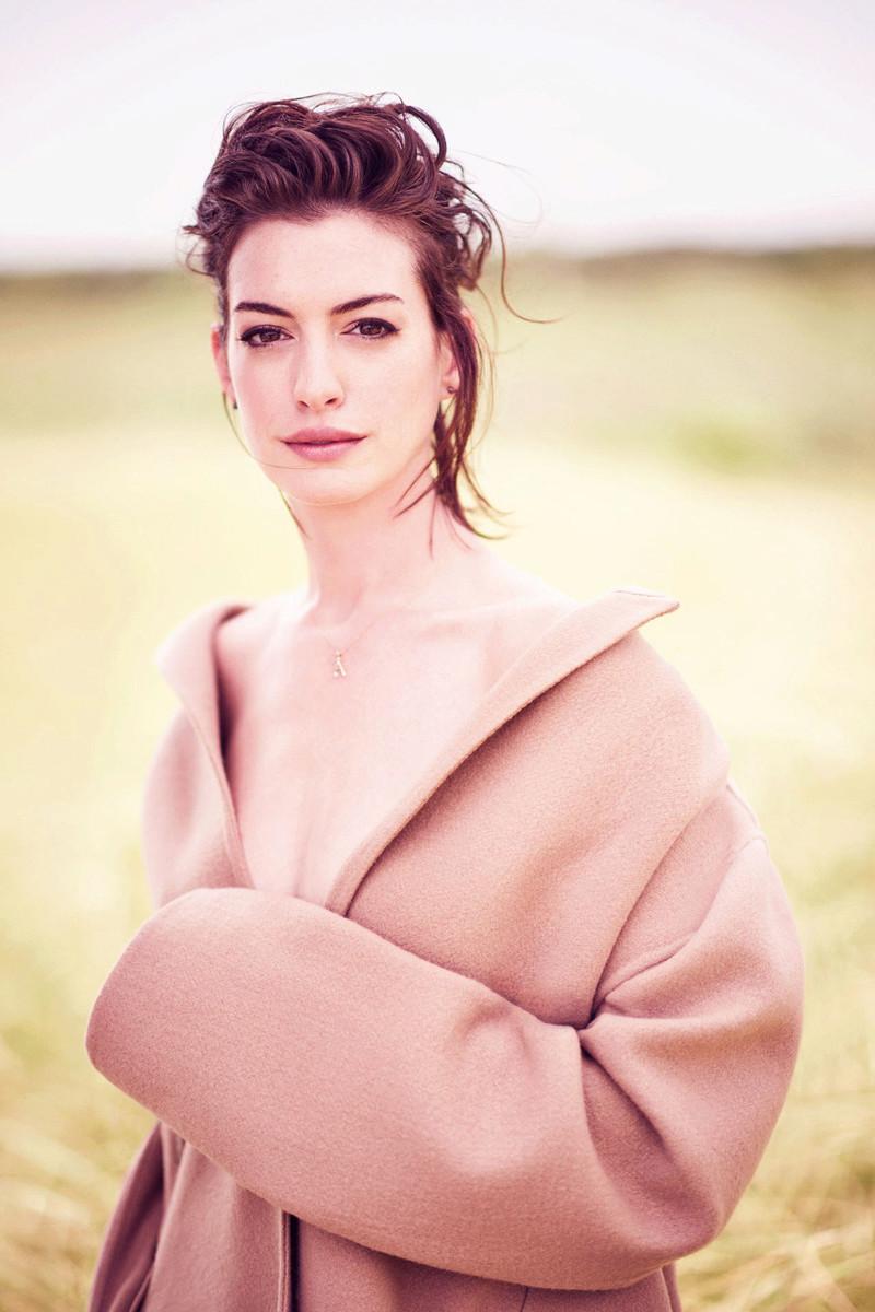 Anne Hathaway Fotos 001_410