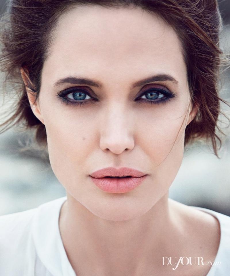 Angelina Jolie Fotos 004_110