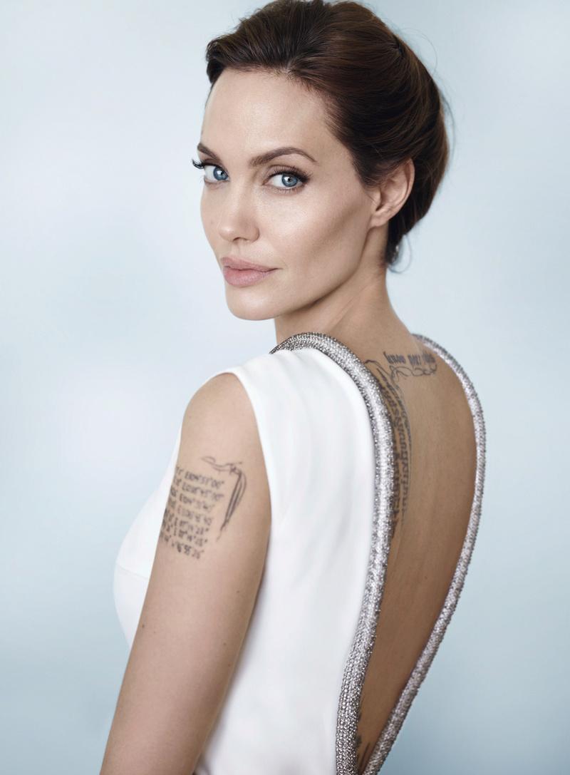 Angelina Jolie Fotos 01010