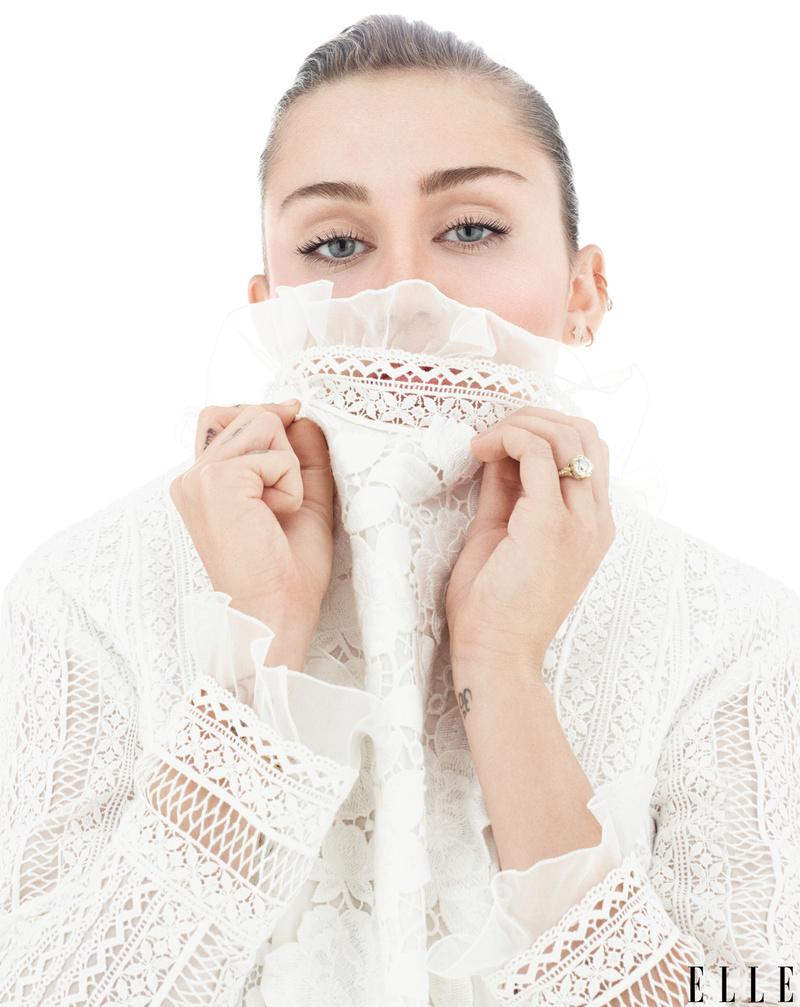Miley Cyrus Fotos  14736110