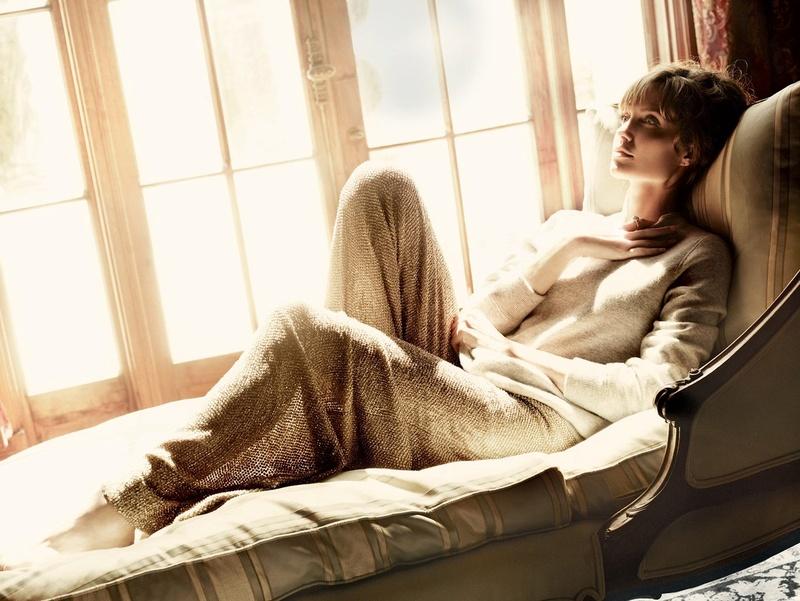 Angelina Jolie Fotos 2010-011