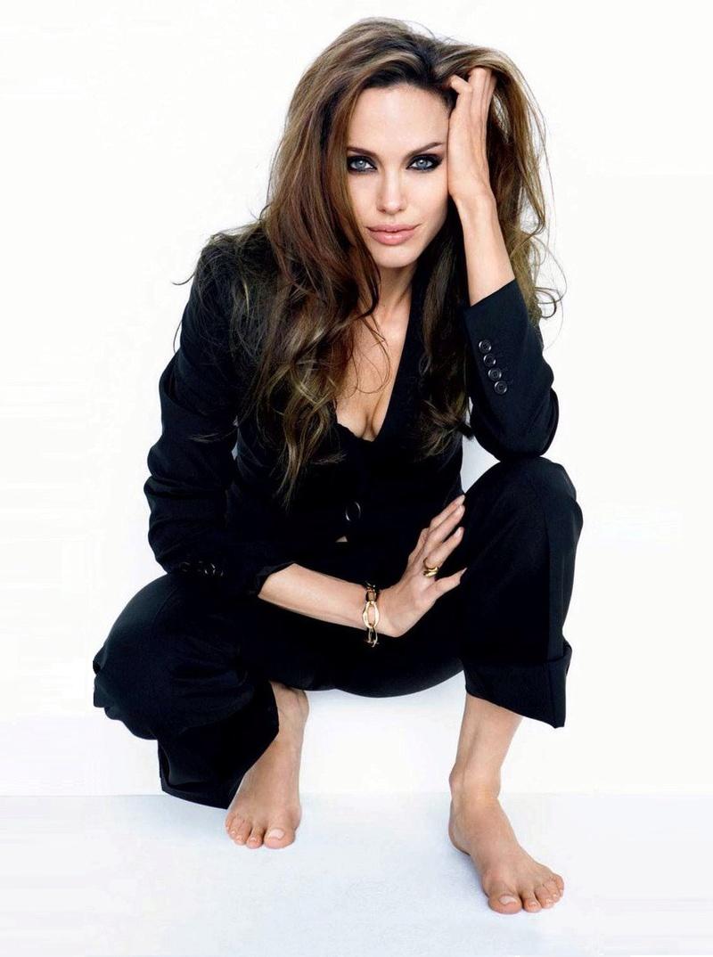Angelina Jolie Fotos 2010-012