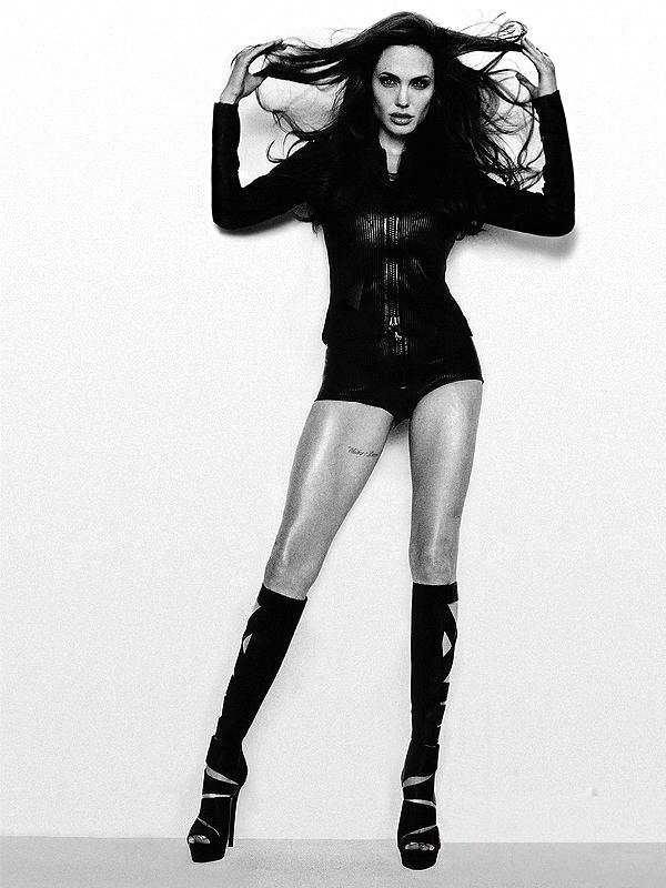Angelina Jolie Fotos 2010-013