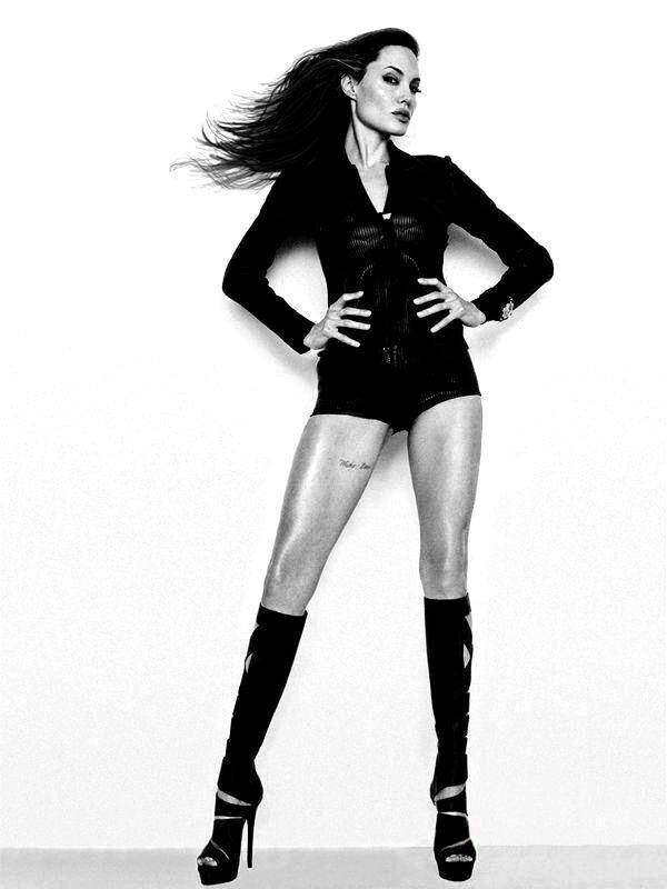 Angelina Jolie Fotos 2010-015