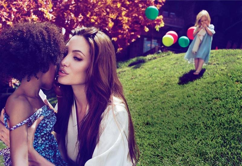 Angelina Jolie Fotos 2011-012