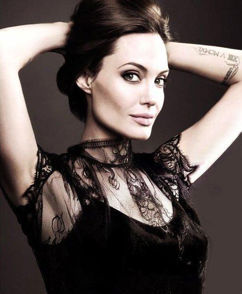 Angelina Jolie Fotos 2012-012