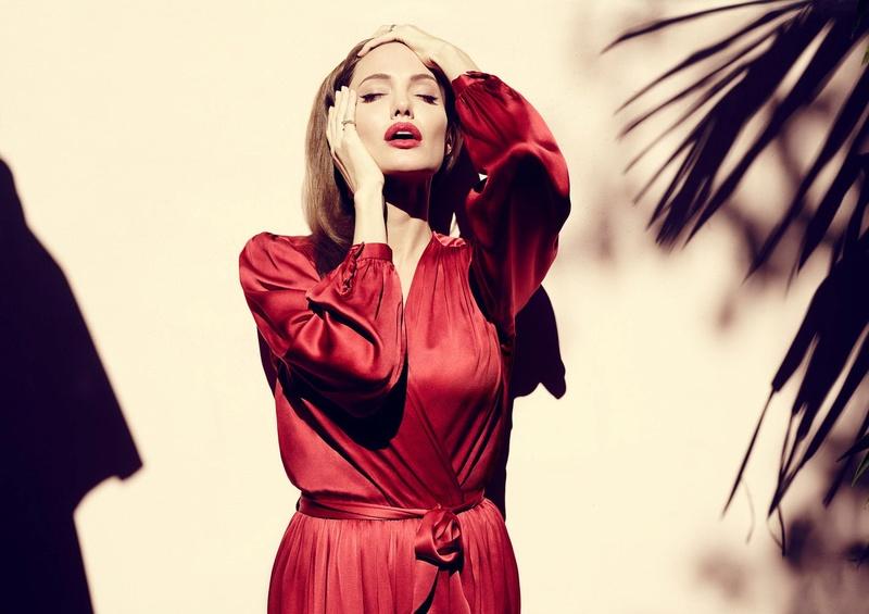 Angelina Jolie Fotos 2014-027