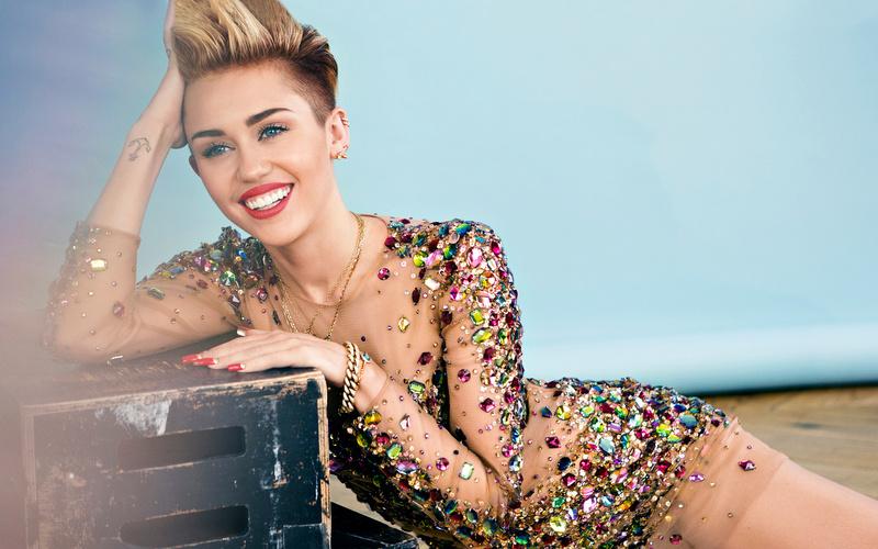 Miley Cyrus Fotos  2015-m10