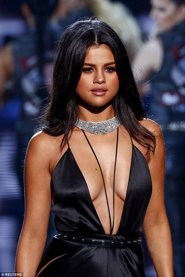 Selena Gomez Fotos 2e52e310
