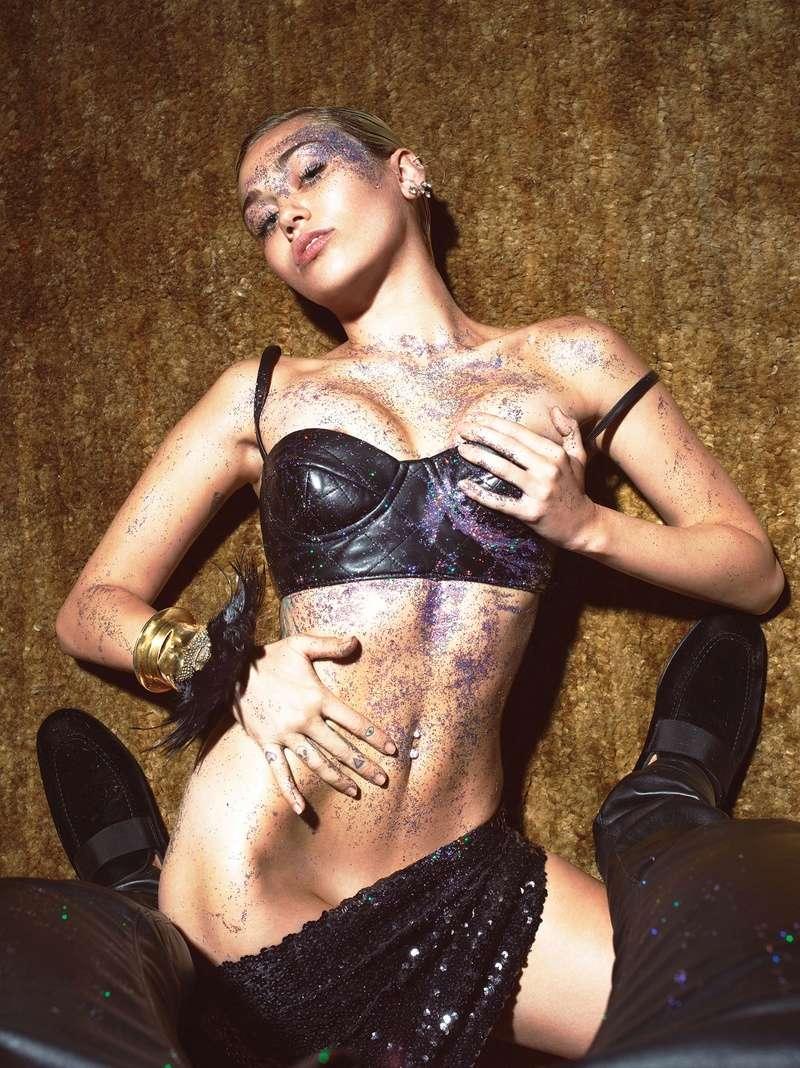 Miley Cyrus Fotos  92476910