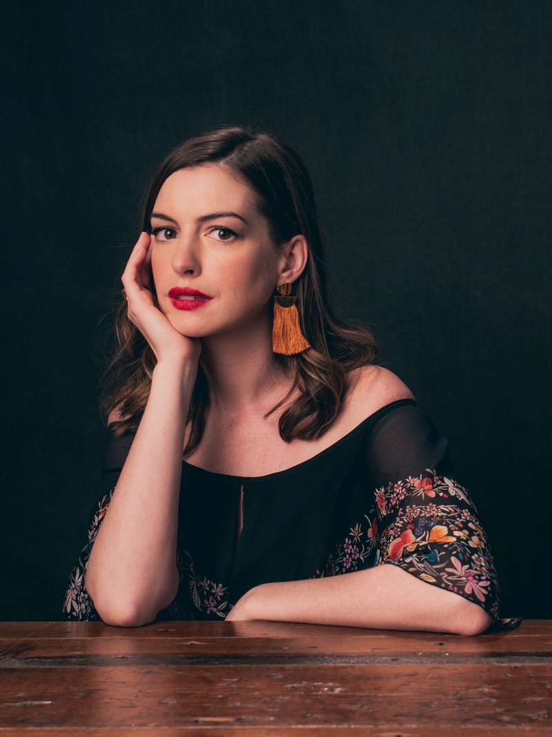 Anne Hathaway Fotos Ahs-va12