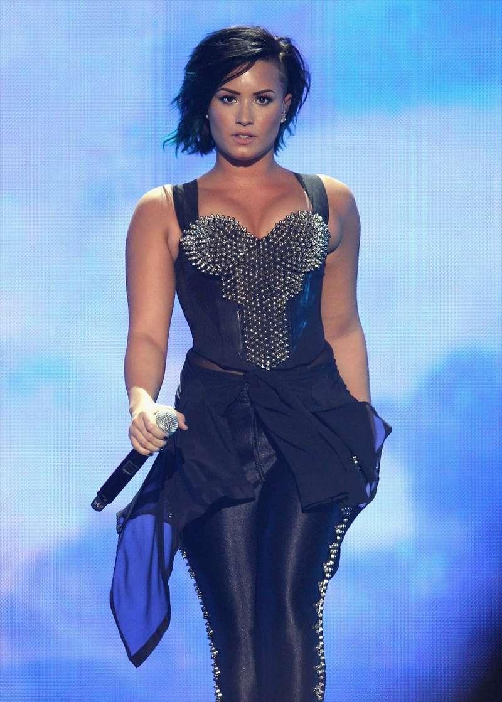 Demi Lovato Fotos  Demi-l11