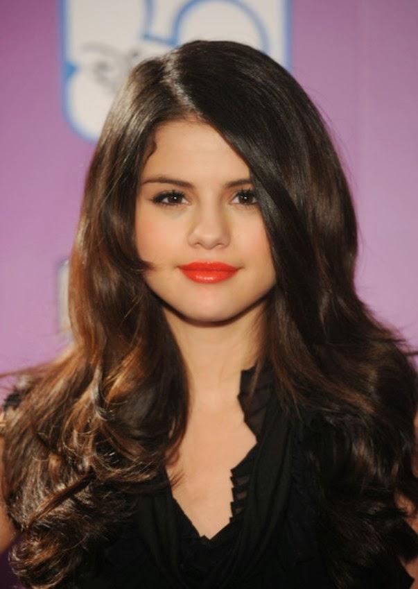 Selena Gomez Fotos Long-h10