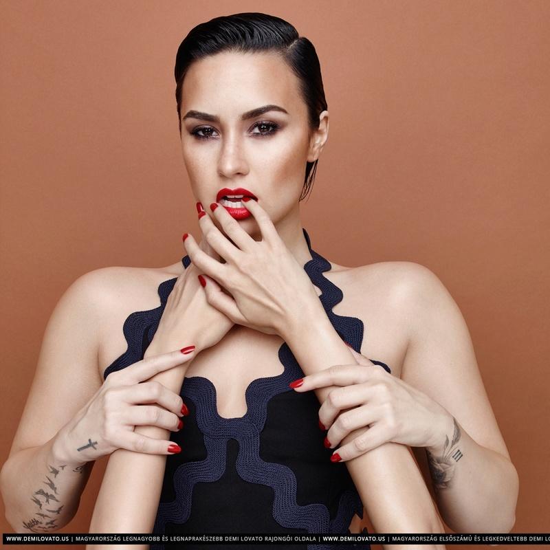 Demi Lovato Fotos  R29-0110