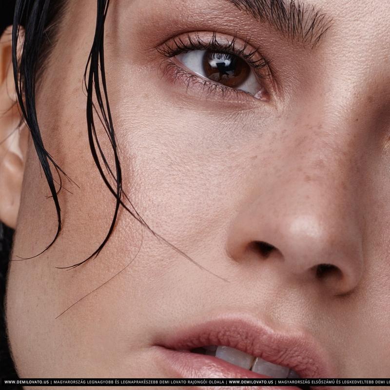 Demi Lovato Fotos  R29-0510