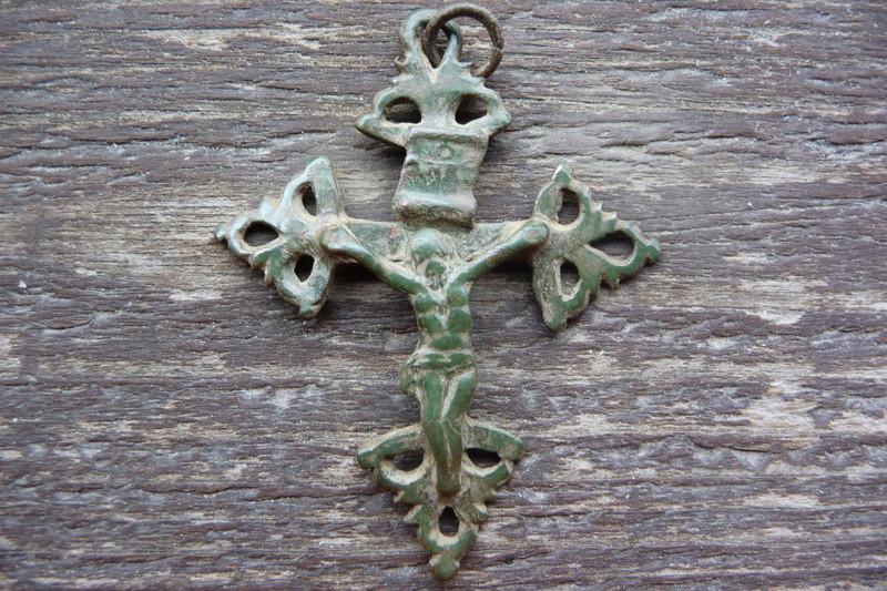 Croix du Dauphiné (trouvée en Briançonnais) - XVIIIème P1030912