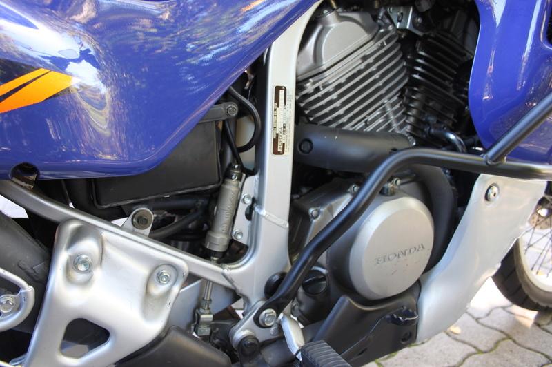 Lavaggio e lucidatura Honda Transalp 600v 1996 Img_2920