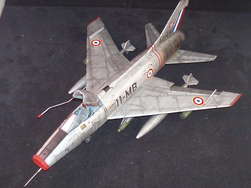 North American F100-D  ESCI 1/48 P1010114