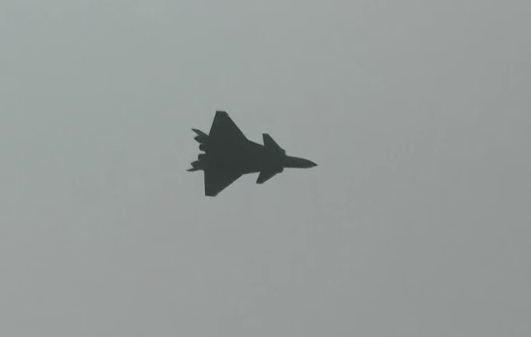 Avion de combat furtif chinois J-20 J20-2010