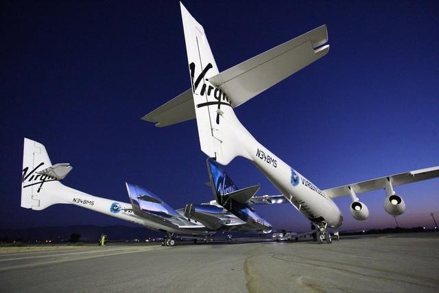 [SpaceShipTwo] Roll-out du prototype n°2 annoncé pour le 19 février prochain et préparatifs au 1er vol Cr2smr10