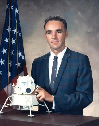 Disparition de Duane ''Doc'' Graveline (1931-2016), candidat-astronaute du Groupe 4 de la NASA Gravel11