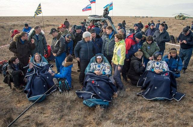 Sélection des équipages Expedition 48-49-50 News-112