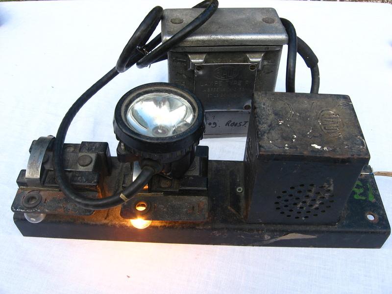 lampes de mineurs,  divers objets de mine, outils de mineur et documents  - Page 4 Img_9317