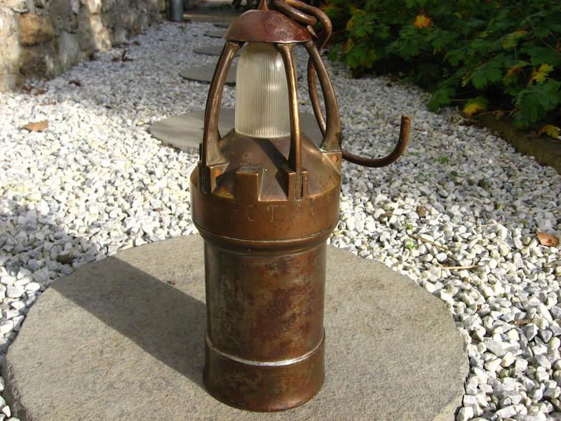 lampes de mineurs,  divers objets de mine, outils de mineur et documents  - Page 5 Img_9424