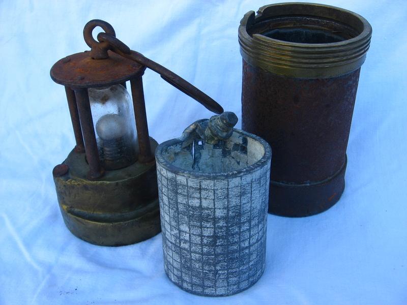lampes de mineurs,  divers objets de mine, outils de mineur et documents  - Page 5 Img_9429
