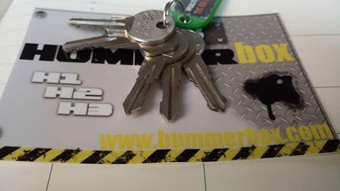 Recherche toutes clés de galerie pour Hummer H2 & H3 afin de pouvoir dépanner tout les adhérents du Club Hummerbox  14702310