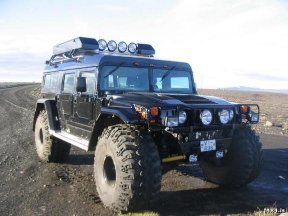 L'hiver arrive avec les Hummer d'Islande ! 24741910