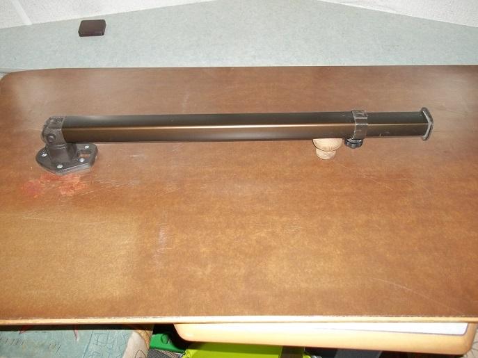 Fixation pieds sur la table - Argh!!! 100_1817