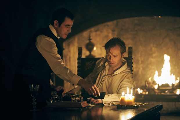 Dracula, mini série (BBC One, Netflix) Harker10