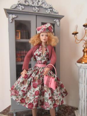 Emilie et Belle les deux nouvelles tenues Img_0345