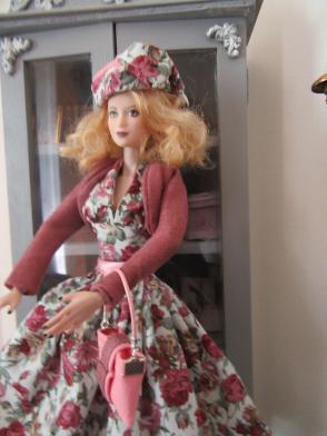 Emilie et Belle les deux nouvelles tenues Img_0346