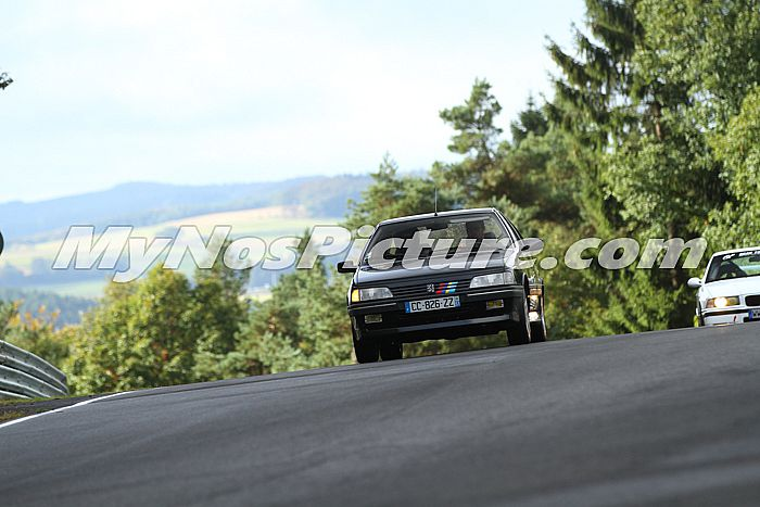 photo de vos voiture au nurburgring Idntyy10