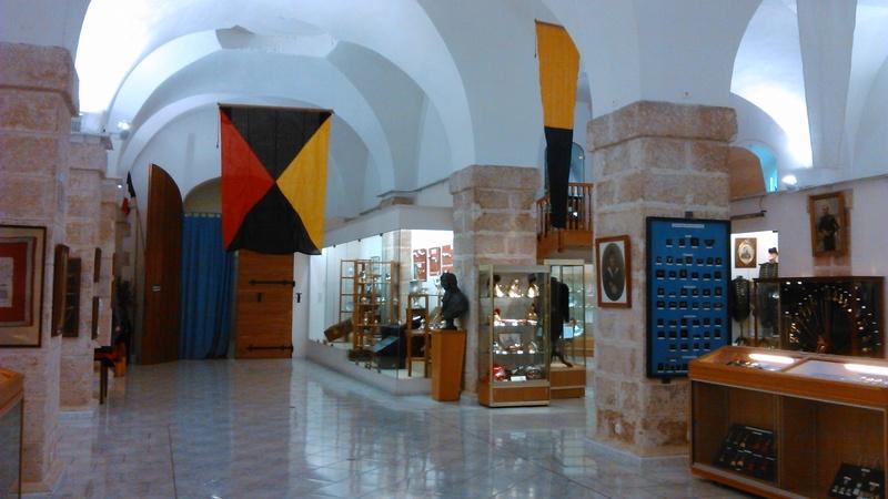 [ Les musées en rapport avec la Marine ] Conservatoire des tenues à Toulon - Page 2 04010