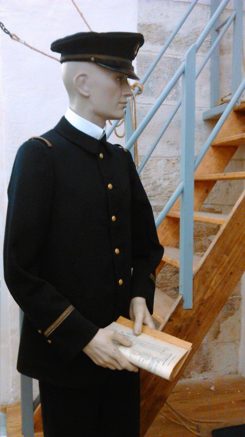 [ Les musées en rapport avec la Marine ] Conservatoire des tenues à Toulon - Page 2 04410