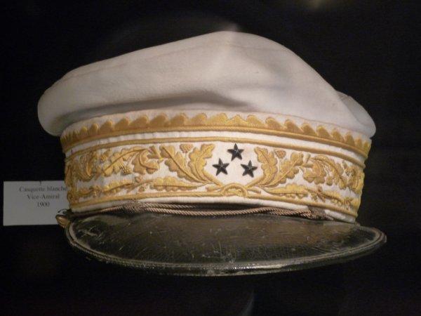 [ Les musées en rapport avec la Marine ] Conservatoire des tenues à Toulon 30747511