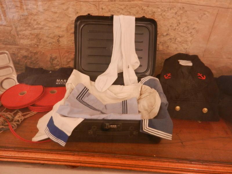 [ Les musées en rapport avec la Marine ] Conservatoire des tenues à Toulon Dscn0613