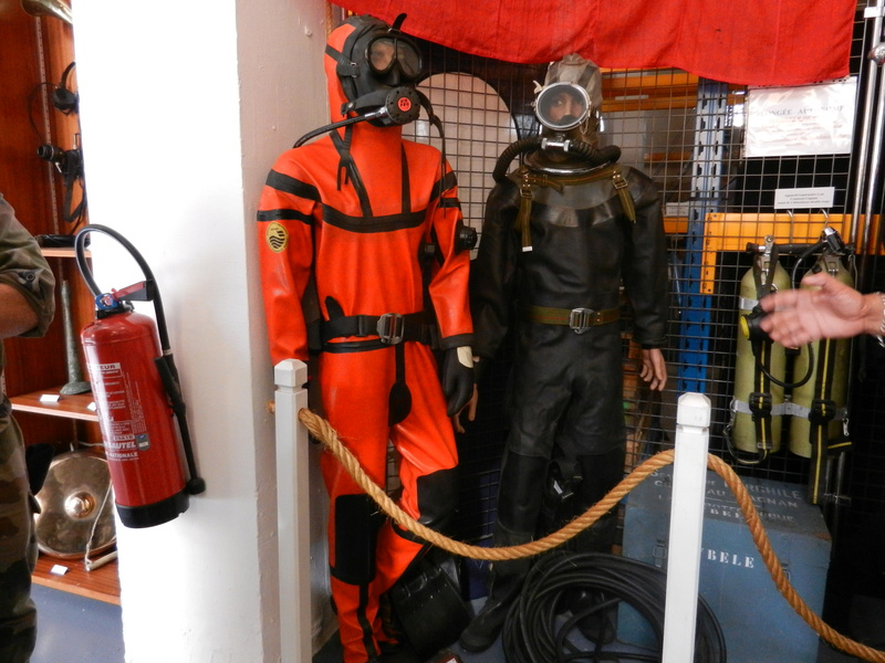 [ Les musées en rapport avec la Marine ] Conservatoire des tenues à Toulon Dscn0617