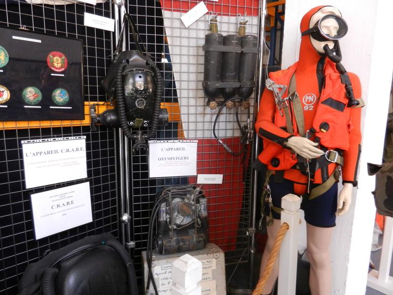 [ Les musées en rapport avec la Marine ] Conservatoire des tenues à Toulon Dscn0621