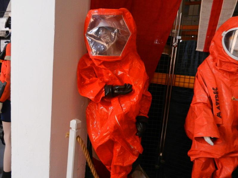 [ Les musées en rapport avec la Marine ] Conservatoire des tenues à Toulon Dscn0622