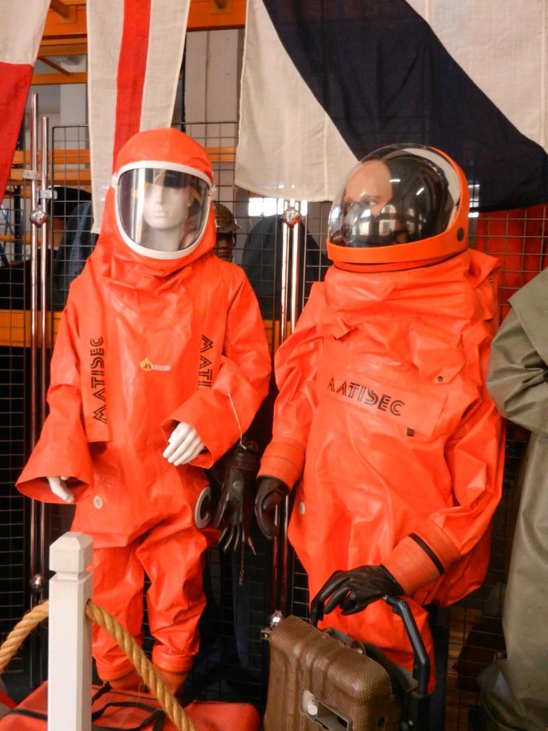 [ Les musées en rapport avec la Marine ] Conservatoire des tenues à Toulon Dscn0624