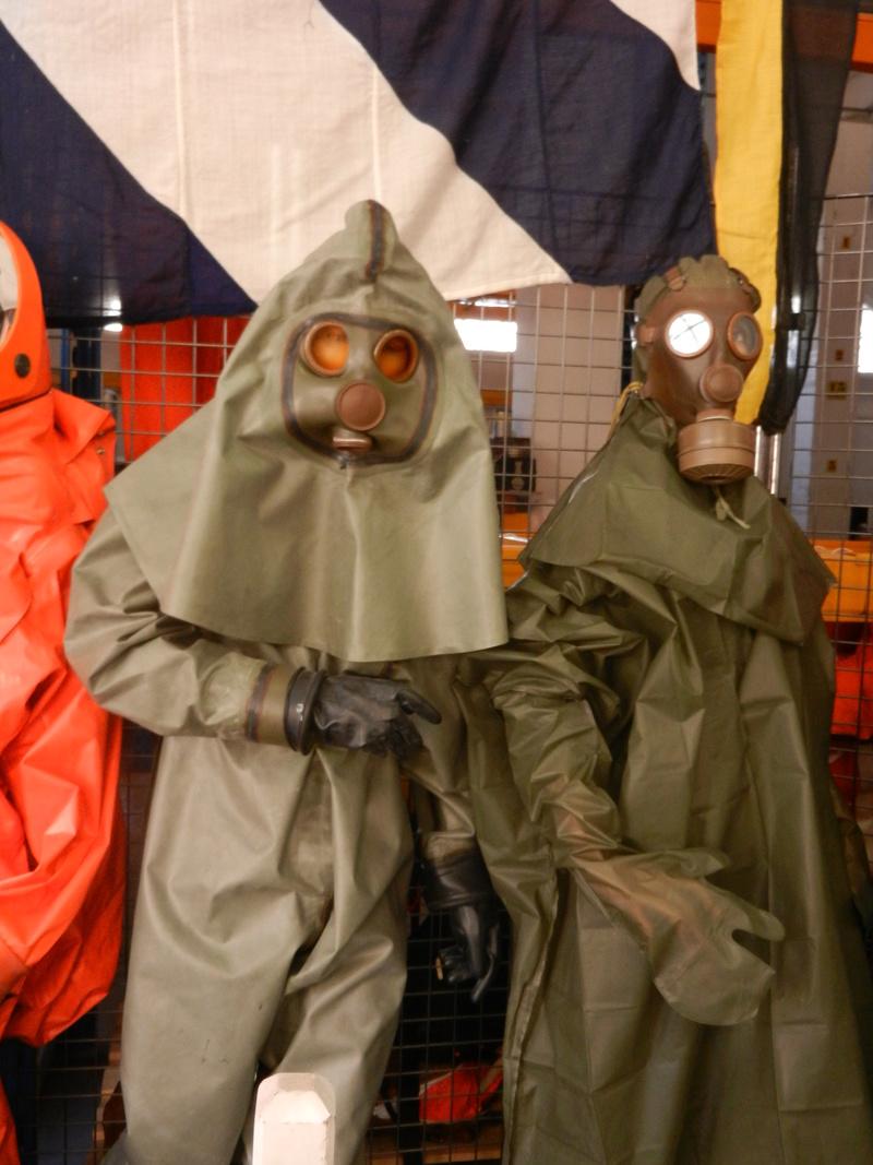 [ Les musées en rapport avec la Marine ] Conservatoire des tenues à Toulon Dscn0625