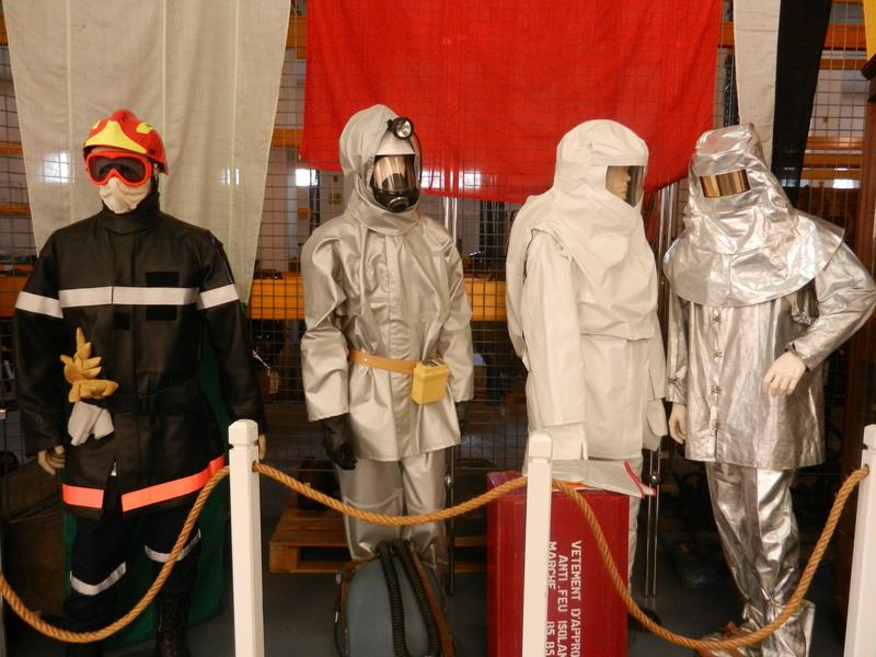 [ Les musées en rapport avec la Marine ] Conservatoire des tenues à Toulon Dscn0630