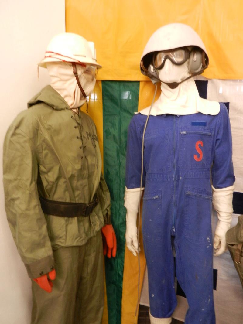 [ Les musées en rapport avec la Marine ] Conservatoire des tenues à Toulon Dscn0638