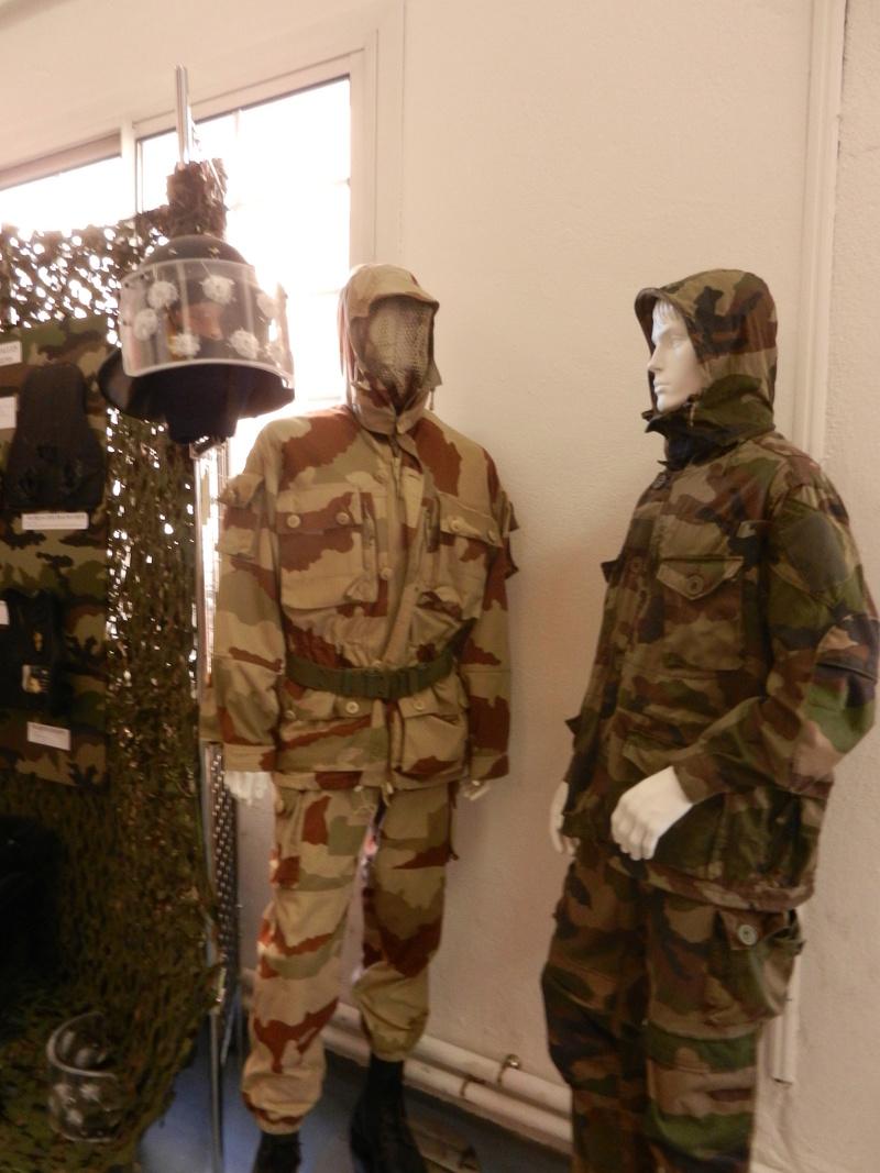 [ Les musées en rapport avec la Marine ] Conservatoire des tenues à Toulon Dscn0641