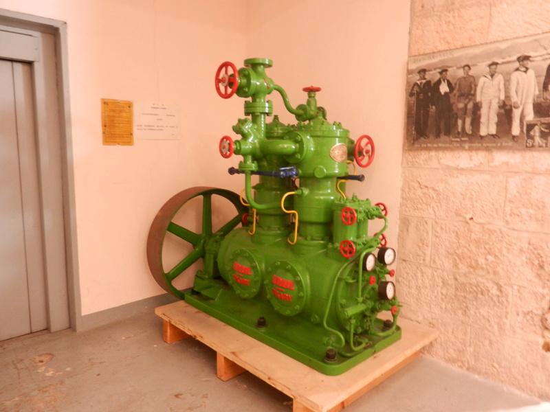 [ Les musées en rapport avec la Marine ] Conservatoire des tenues à Toulon Dscn0730